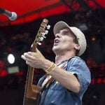 Manu Chao was simply divine. He stuck it to Fifa and created beautiful chaos at the Orange Stage (Allan Mutuku-Kortbæk)Photo: Jens Nørgaard Larsen/Scanpix