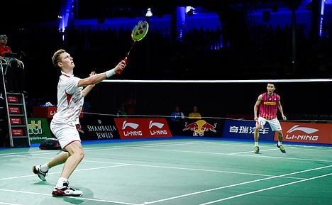 Lee moves past Dane to reach third world final