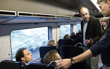 Minister saves cheap train tickets for students