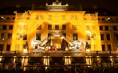 Danes' Christmas spending likely to stall