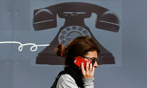 EU commissioner to 'ban roaming fees by 2017'