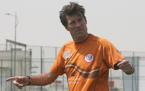 Michael Laudrup in talks to lead national team