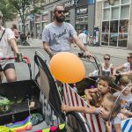 """Parade participant Tina Engberg: """"I'm here because I want to tell my children that they can be with whoever they want.""""Photo: Sara Gangsted/Scanpix"""