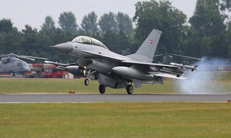 Denmark open to sending fighter jets to Syria
