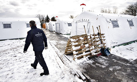 Denmark to erect more tents for asylum seekers