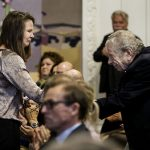 A prize honouring victim Finn Nørgaard was handed out in Christiansborg, where Nørgaard's sister, Helle, held a speech. Here, she greets former chief rabbi Bent Melchior. Photo:  Liselotte Sabroe/Scanpix