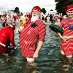 With conditions in Copenhagen warmer than at the North Pole, the Santas needed to cool off. Photo:  Mathias Løvgreen Bojesen/Scanpix