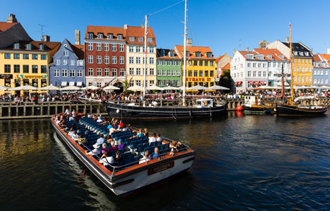 Copenhagen tour boat fined over girl's amputated arm