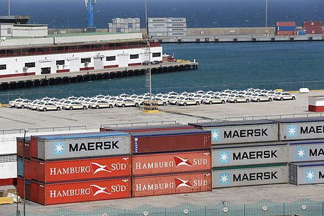 Maersk Line to buy German container shipping company