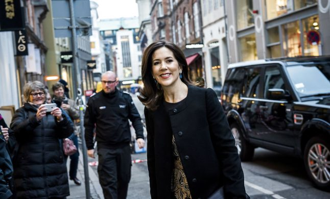 Denmark's Crown Prince Frederik wants you to know that he did NOT buy Mary an island
