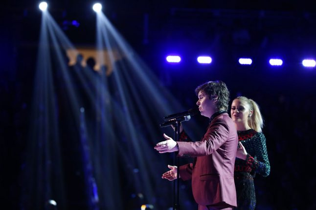 Adele keeps Denmark's Lukas Graham from saying 'Hello' to a Grammy
