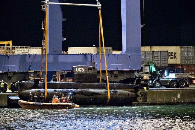 Danish mystery submarine sailed with lights off: witness