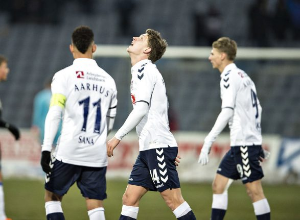 Aarhus football fans caught with fireworks in shoes