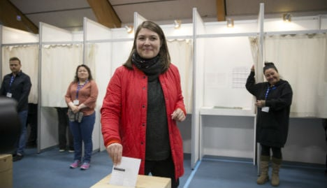 Big parties lose vote share in Greenland poll