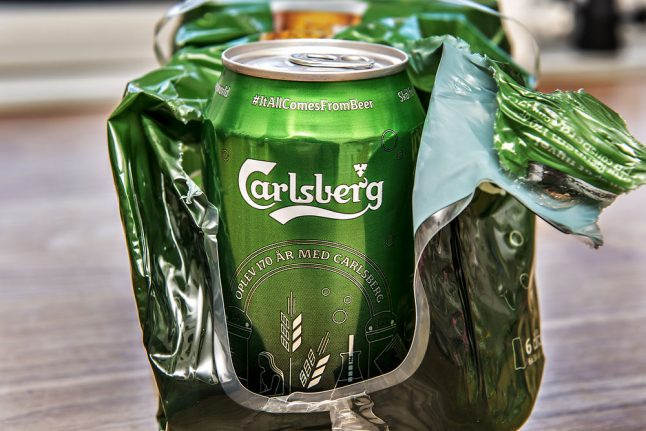 Carlsberg cans plastic rings to cut waste