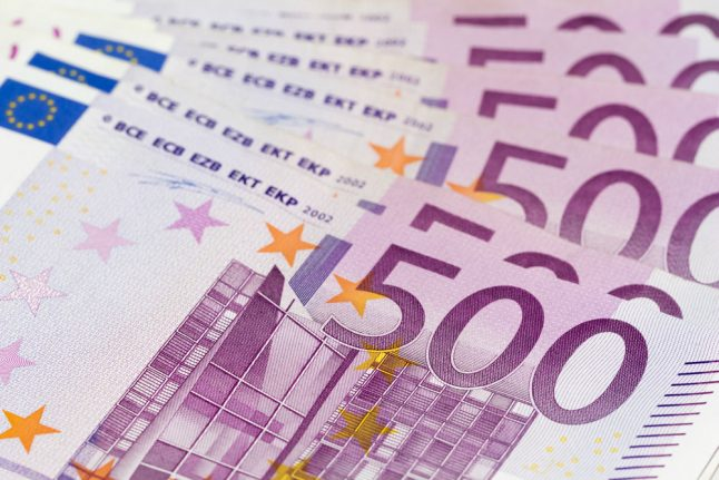 Denmark to ban 500 euro notes after money laundering scandal