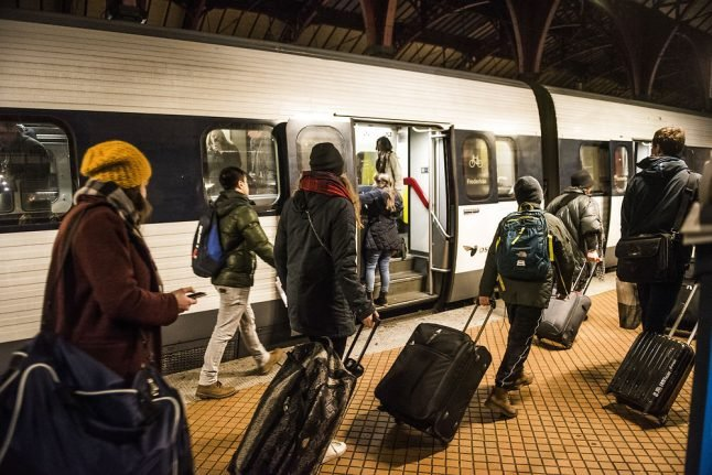 Danish rail operator to offer cheaper tickets as passengers make hop to bus travel