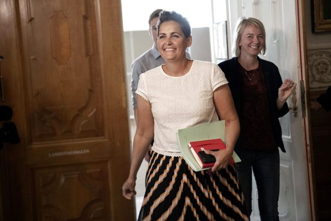 Party leader asks for patience as Danish wait for new government goes on