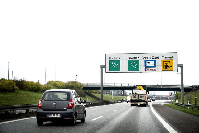 Car drivers overcharged for crossing Denmark's Great Belt Bridge