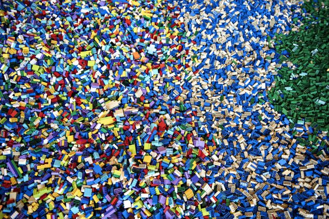 Lego to turn all its bricks 'green' by 2030
