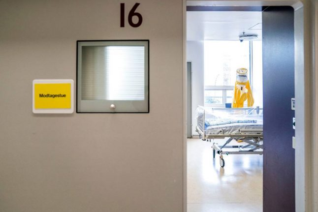 Denmark sees rise in hospitalised patients as health professionals face missing out on coronavirus testing