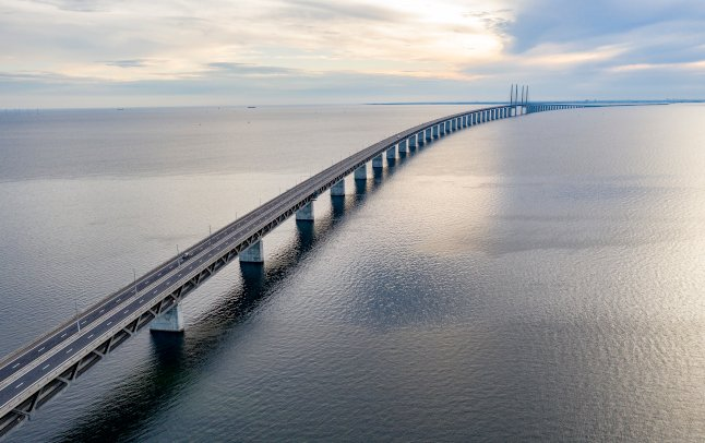Can I travel from Sweden to Denmark and what documents do I need?