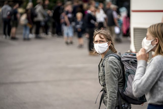 Denmark changes face mask guidelines: now advised on busy public transport