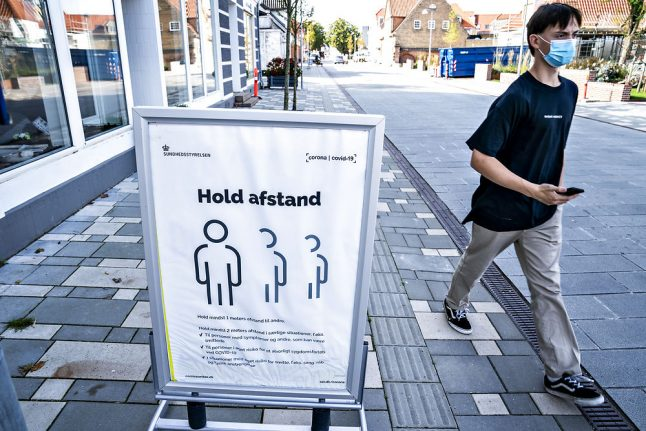 Danes praised for hygiene but not good at limiting contacts during coronavirus crisis