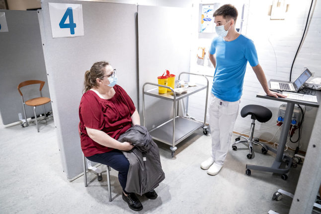 Covid-19: Denmark holds on to hope of vaccinating population by summer