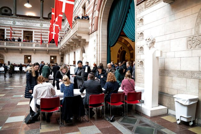 Citizenship: Danish party calls for ban on naturalisation for people with foreign partners