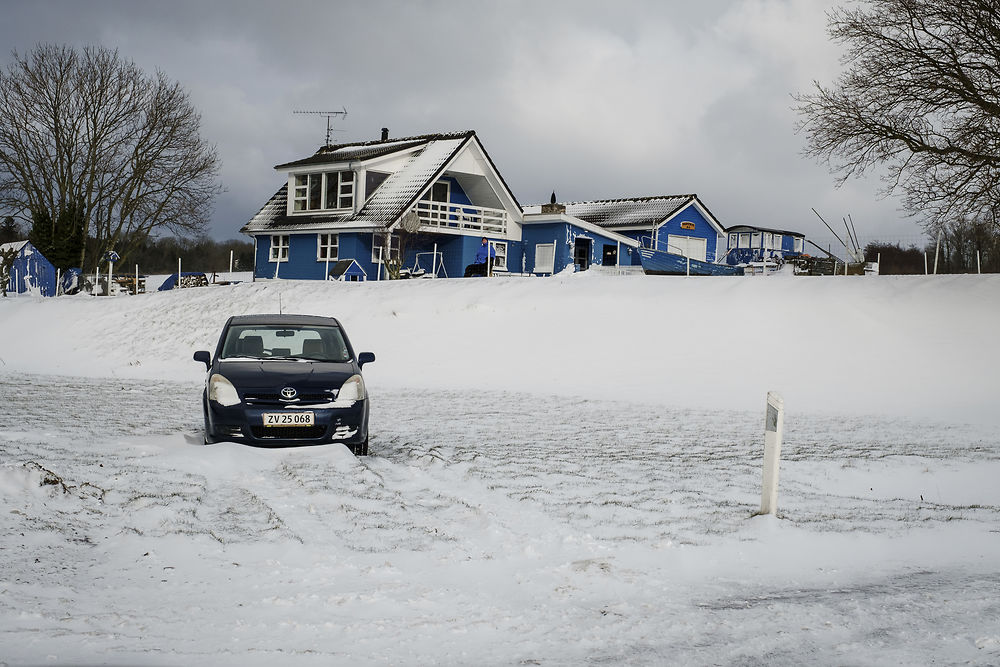 Snow keeps Danish children home from school days after reopening