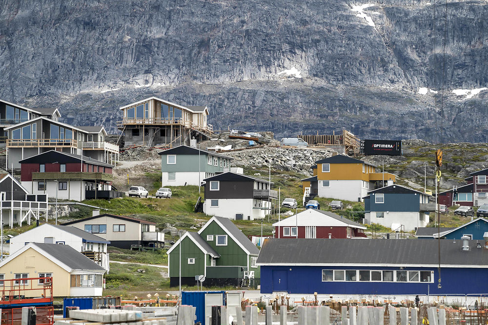 Mining fuels Greenland dreams of independence – and political crisis