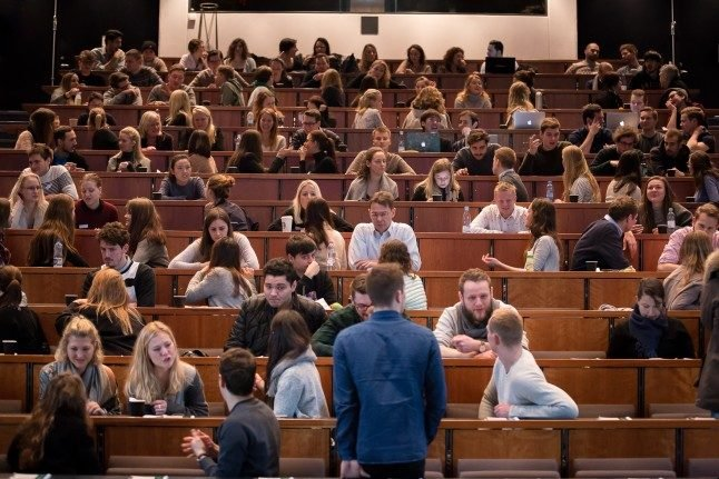 ANALYSIS: Why are Denmark's politicians criticising university researchers?
