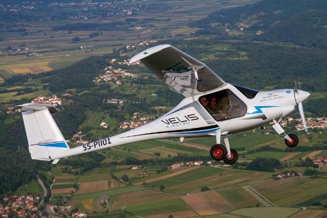 Danish air force buys electric planes to cut emissions