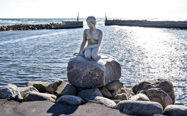 Heirs of Little Mermaid sculptor demand removal of Jutland rival