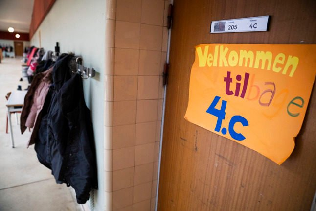 Danish politicians call for children to stay at school after Covid-19 close contact